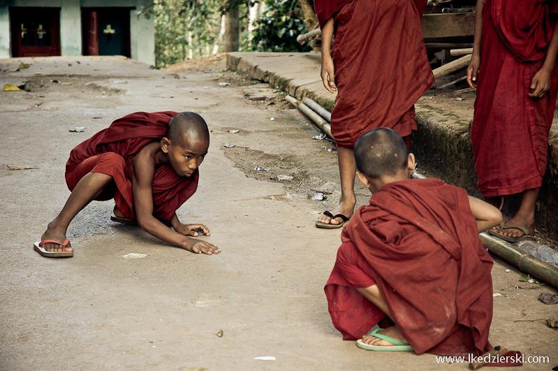 Mnisi, Birma - fot.Łukasz Kędzierski