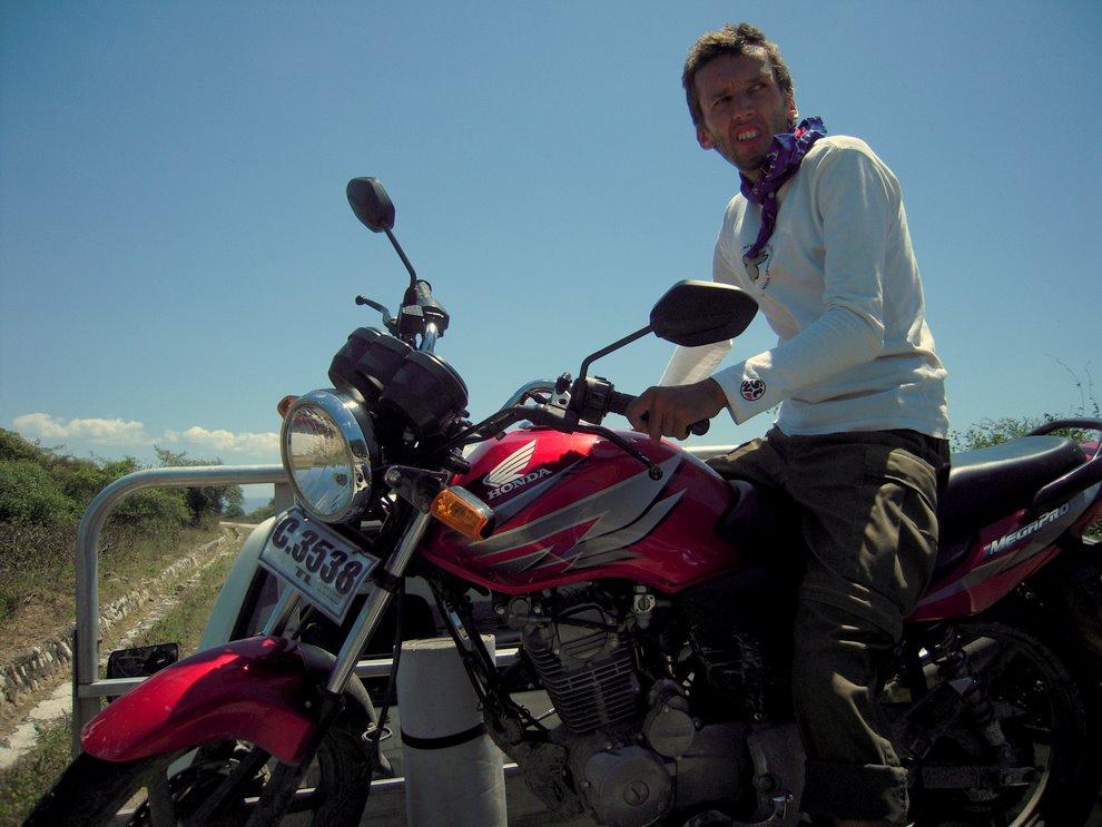 Timor Wschodni, zepsuty motor wiziony domiasta