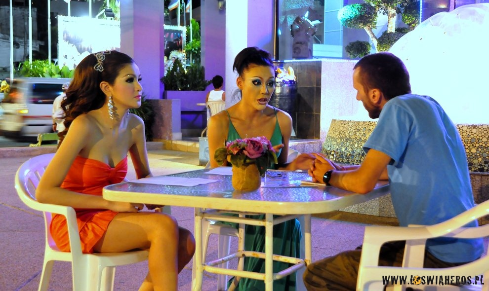 Najlepsza strona randkowa tajska dziewczyna