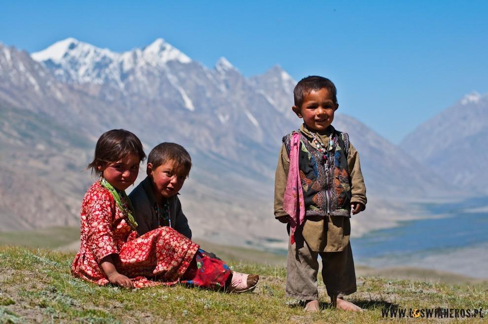 Dzieci afgańskich nomadów.