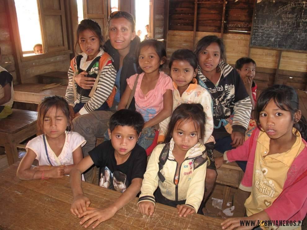 Alicja z dzieciakamii ze szkoły.