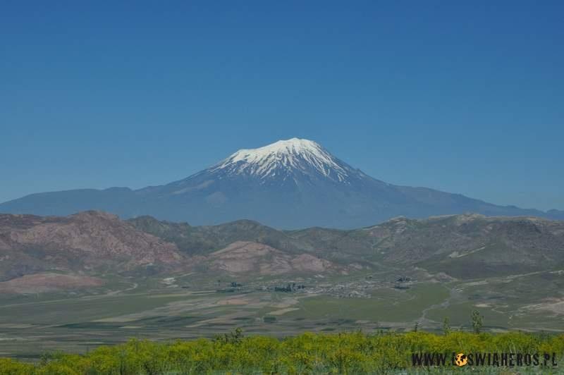 Ararat - piękna, święta góra.