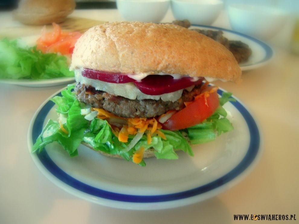 """""""aussie burger"""""""