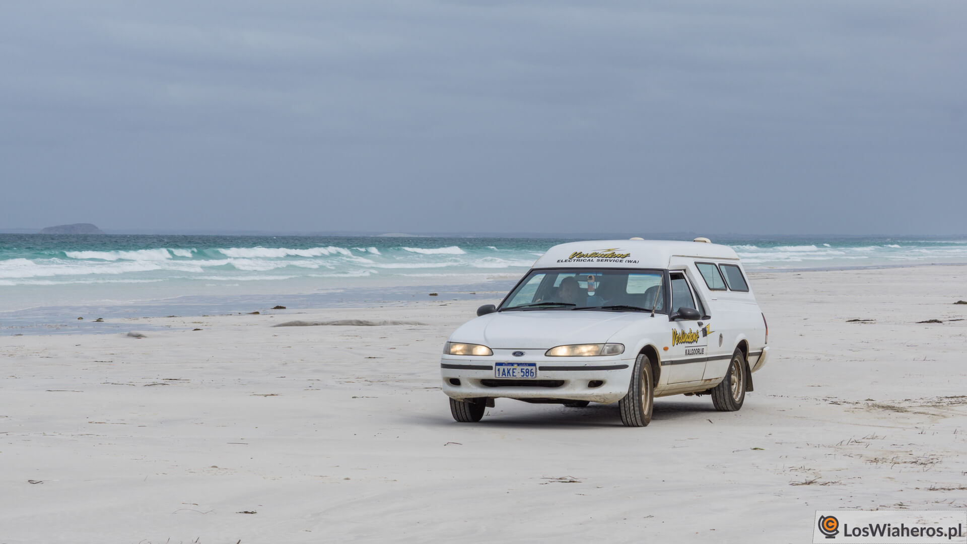 Ford Falcon na Le Grand Beach.