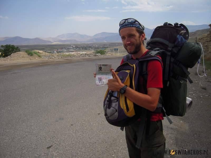 Na granicy Irańskiej - wczoraj backpacker, dziś kanapowy turysta ;)