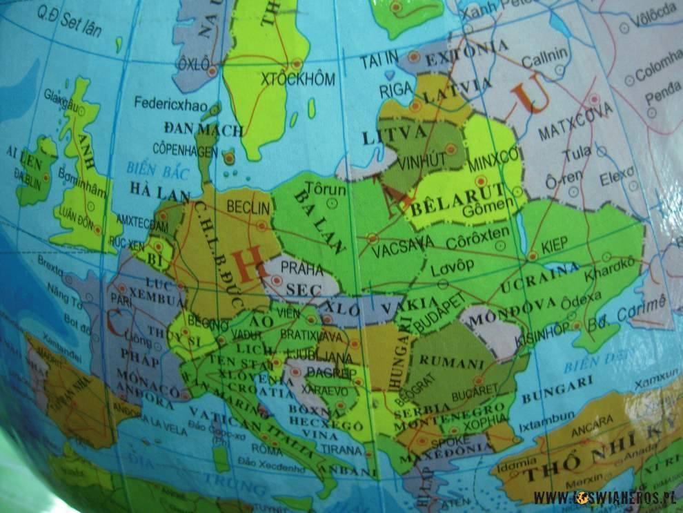 ..wietnamskie spojrzenie na Europę jest trochę kanciaste... i dziwić się nie można, że my zwykle nie rozumiemy ich cywilizacji, a oni chyba też mają problemy ze zrozumieniem nas.