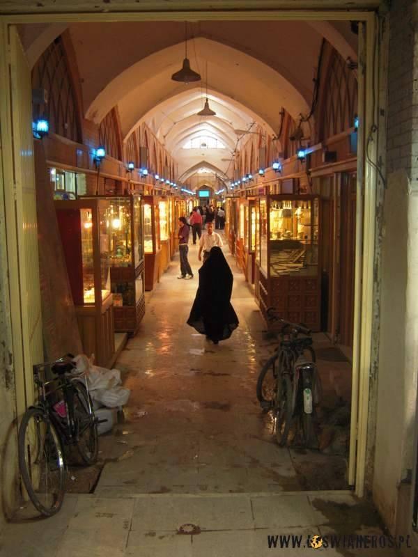 Słynny bazar wEsfahanie - jedna znajwiększych atrakcji miasta