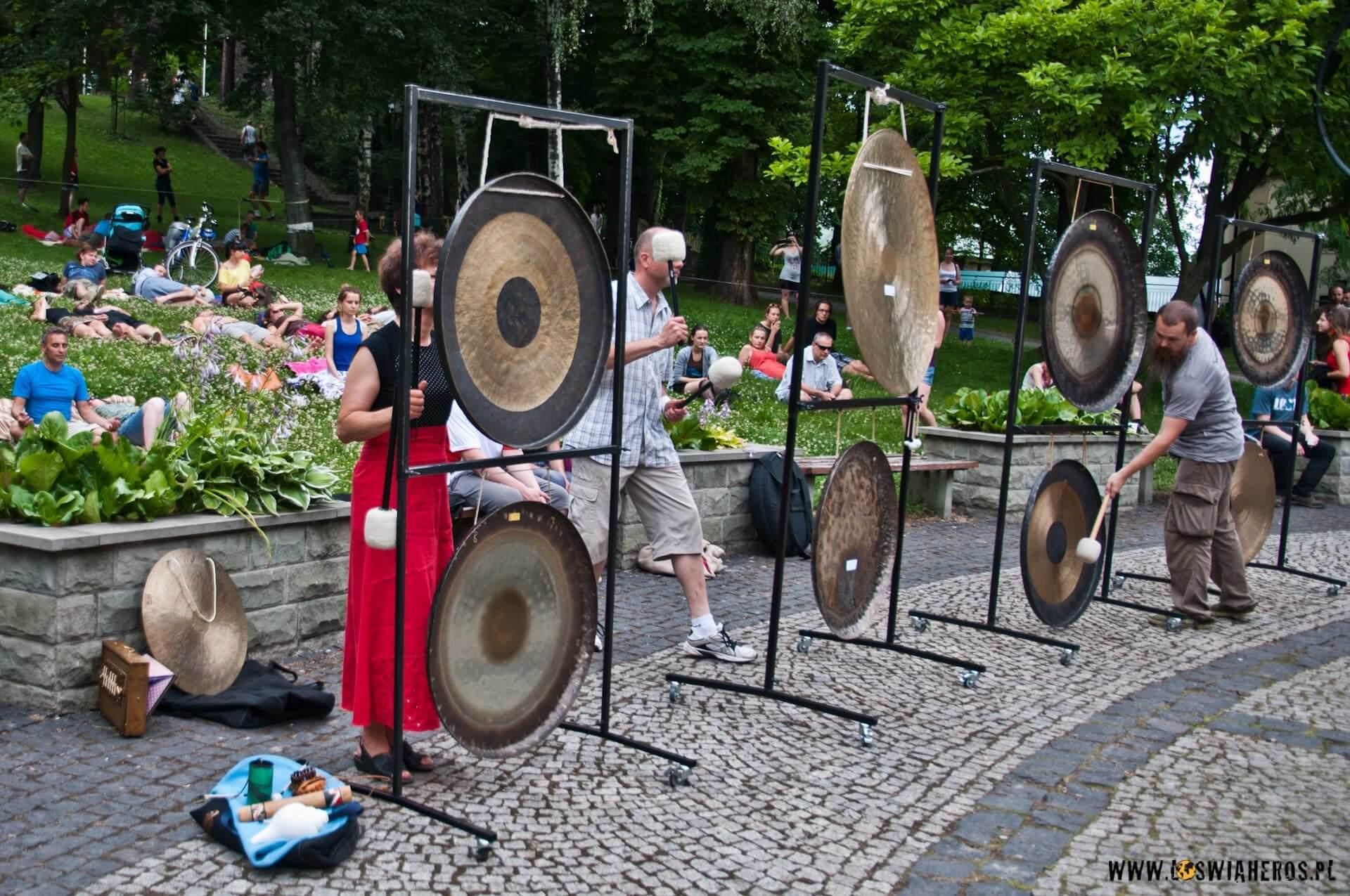Jest też masaż dźwiękiem gongów tybetańskich. [f/3,5, 22mm]