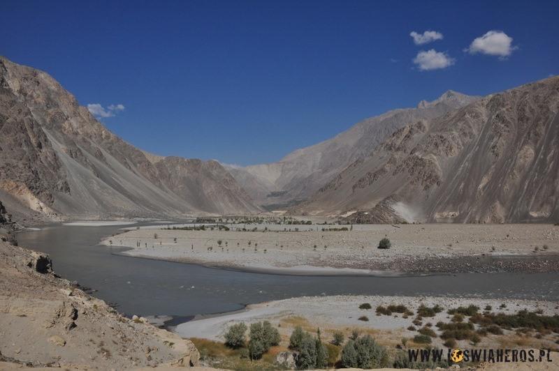dolina_indusu_w_drodze_do_hushe_pakistan