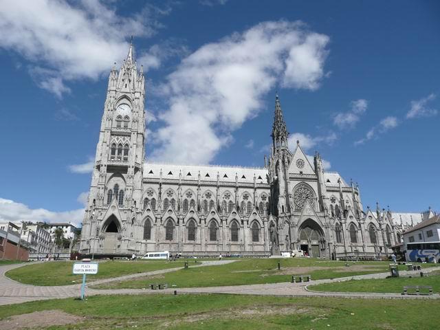 Neogotycka katedra wekwadorskim Quito.