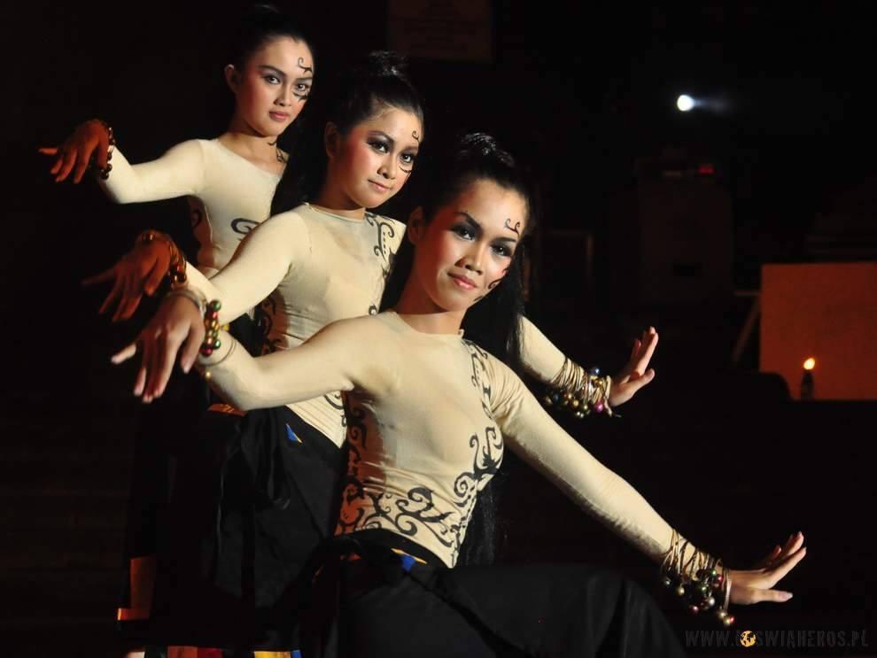 Dziewczyny z Kalimantanu wschodniego