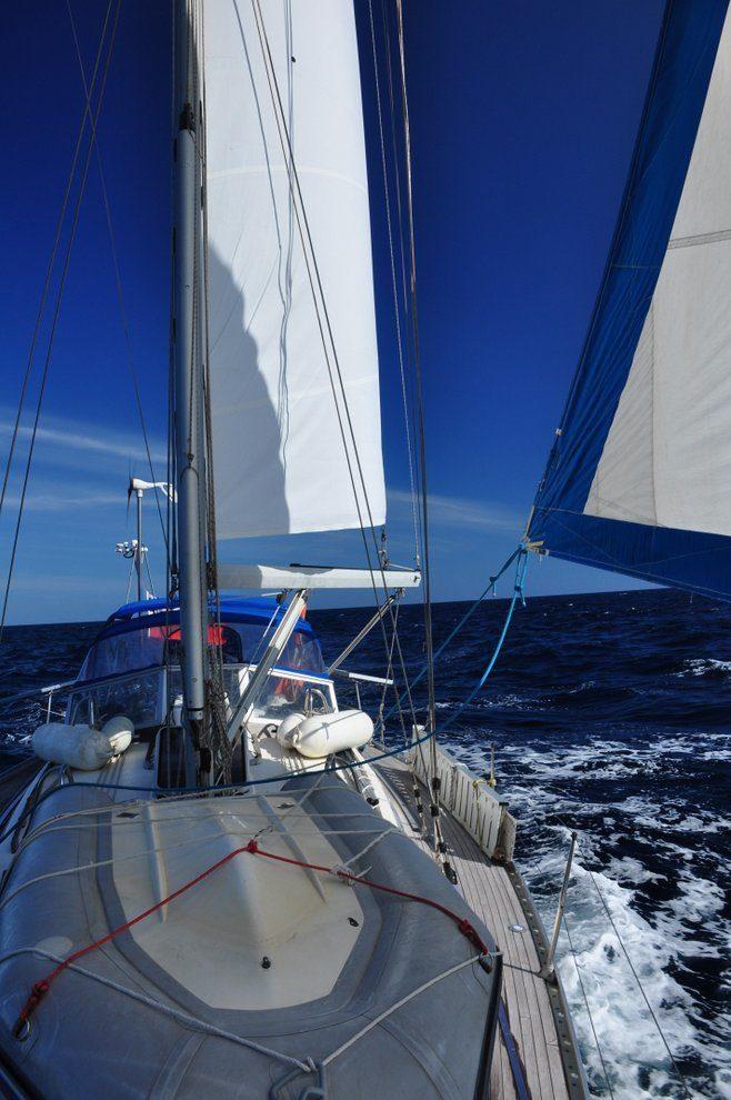 Na pełnym morzu, napełnym żaglu!