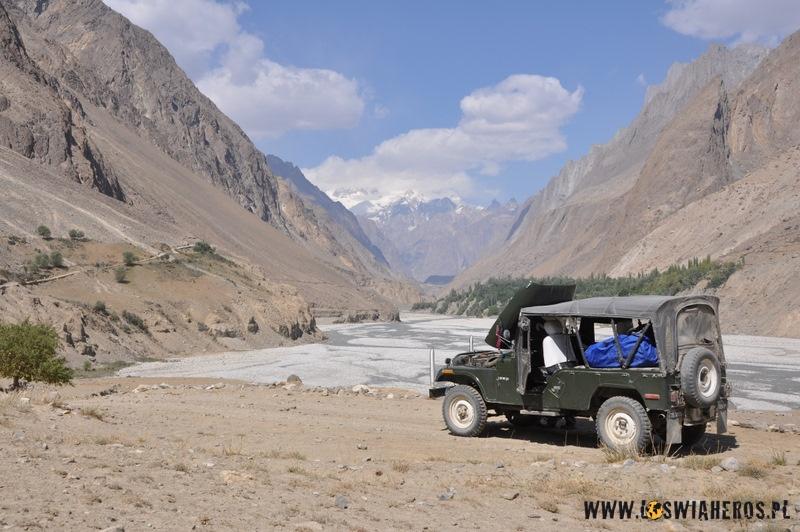 jeep_nad_indusem_pakistan