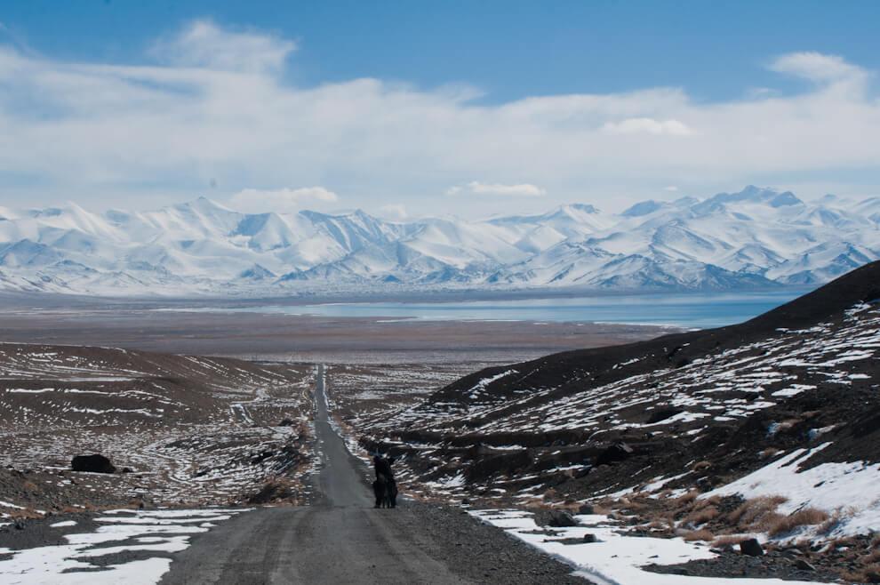 Karakol widziany zPrzełęczy Uybulaq (4232m npm)