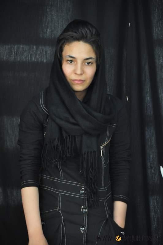 Smutek zoczu patrzy? Naprawdę piękne Iranki iich ponure, ciemne stroje...