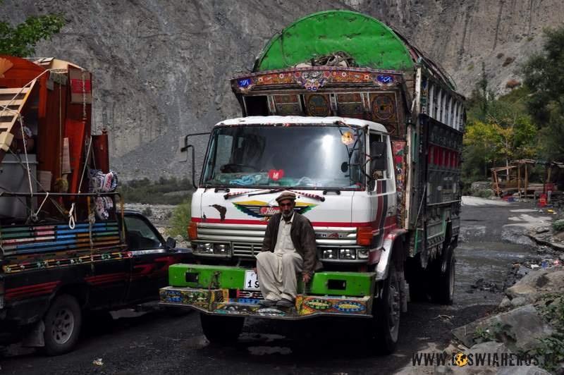 """Pakistański autostop wwersji """"hard""""!"""