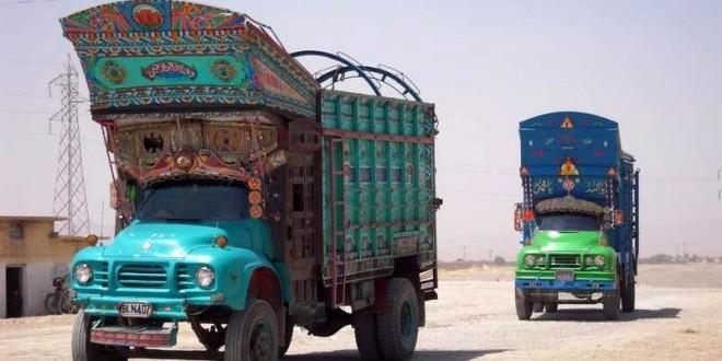 kosmiczne_ciezarowki_w_pakistanie_quetta