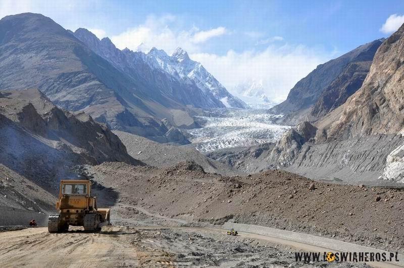 lodowiec_koparka_-_kkh_pakistan