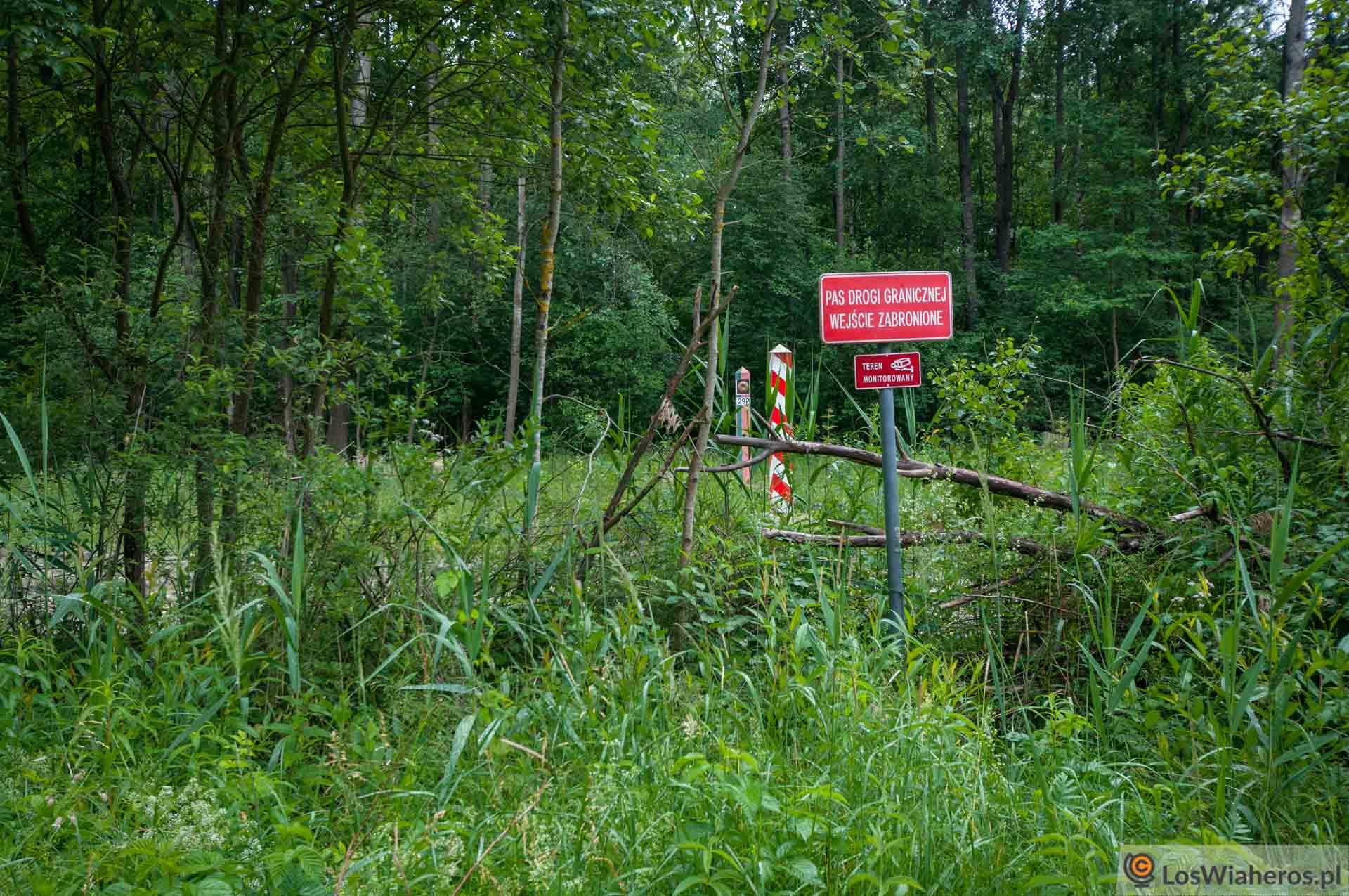 Pas graniczny, dalej jest już Białoruś