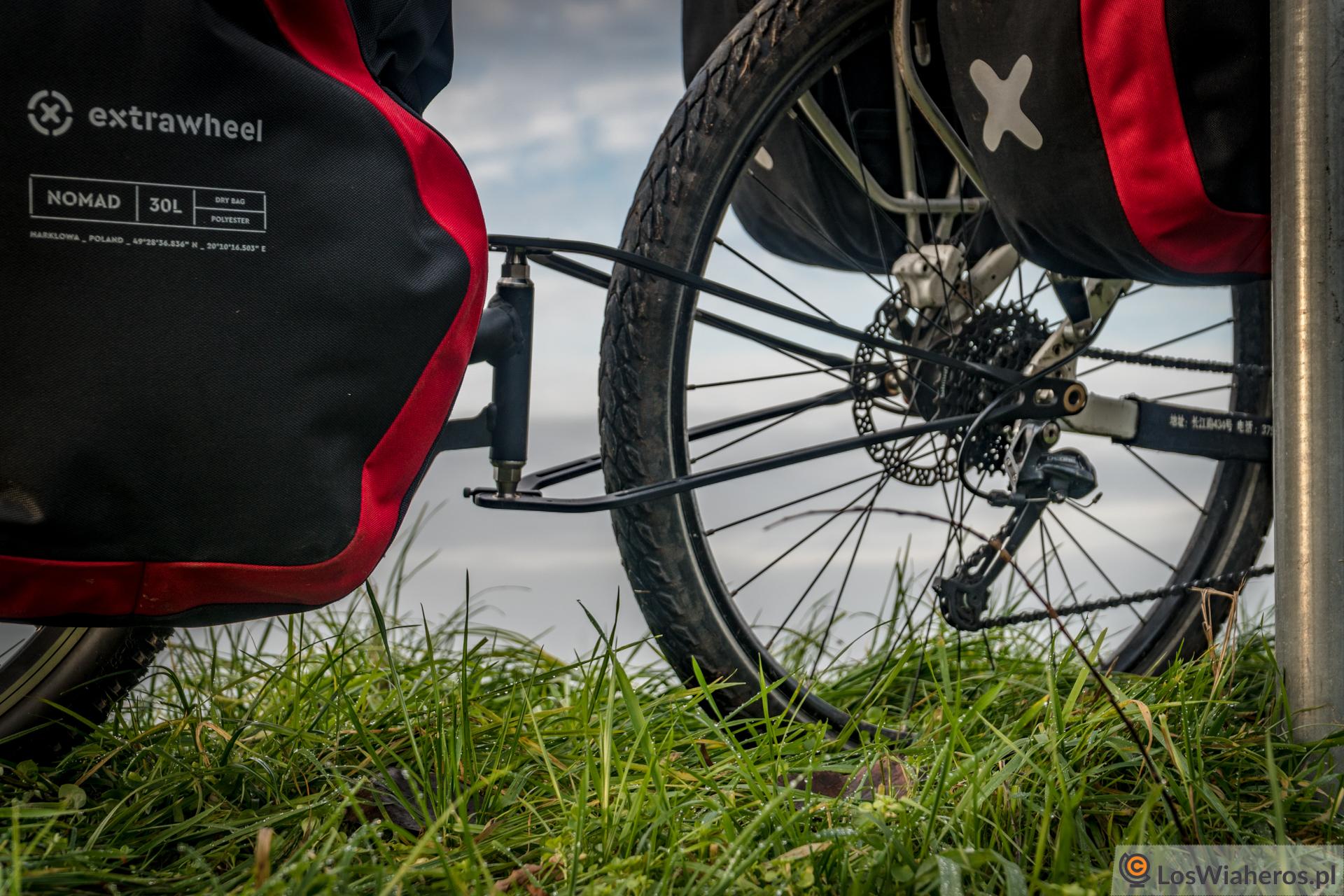 Autorski dyszel Extrawheel, któryłączy przyczepkę rowerową zwidelcem roweru.