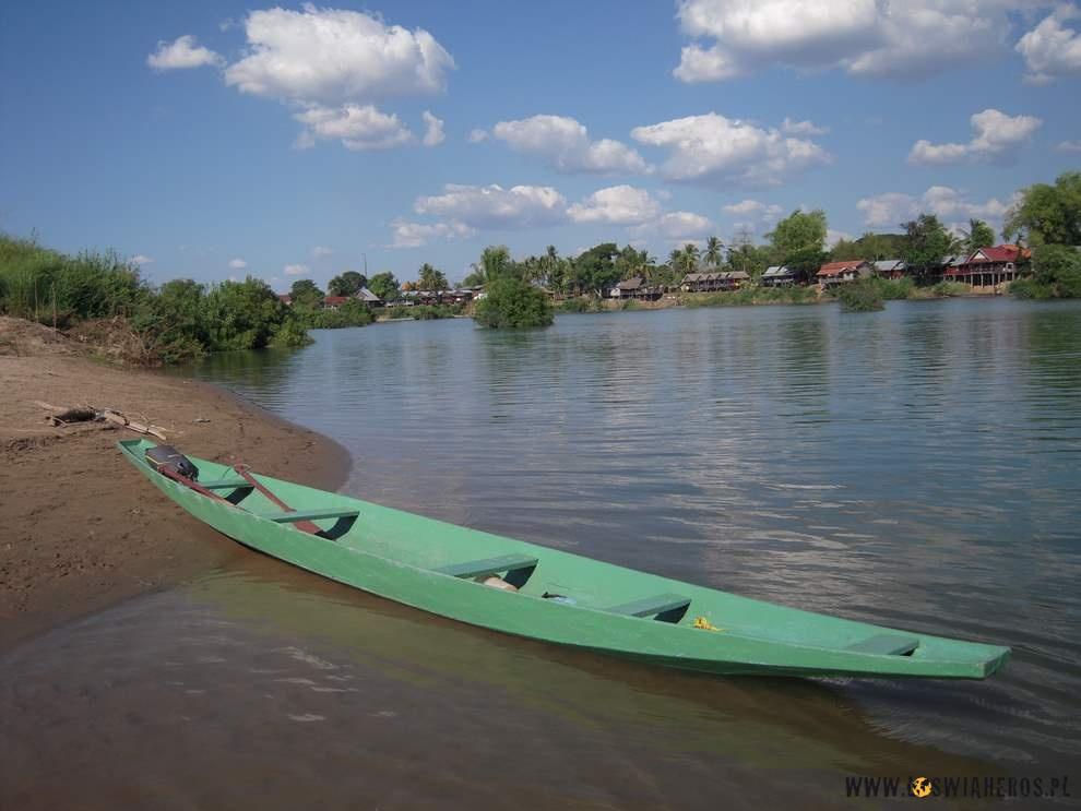 Kanoe poMekongu.