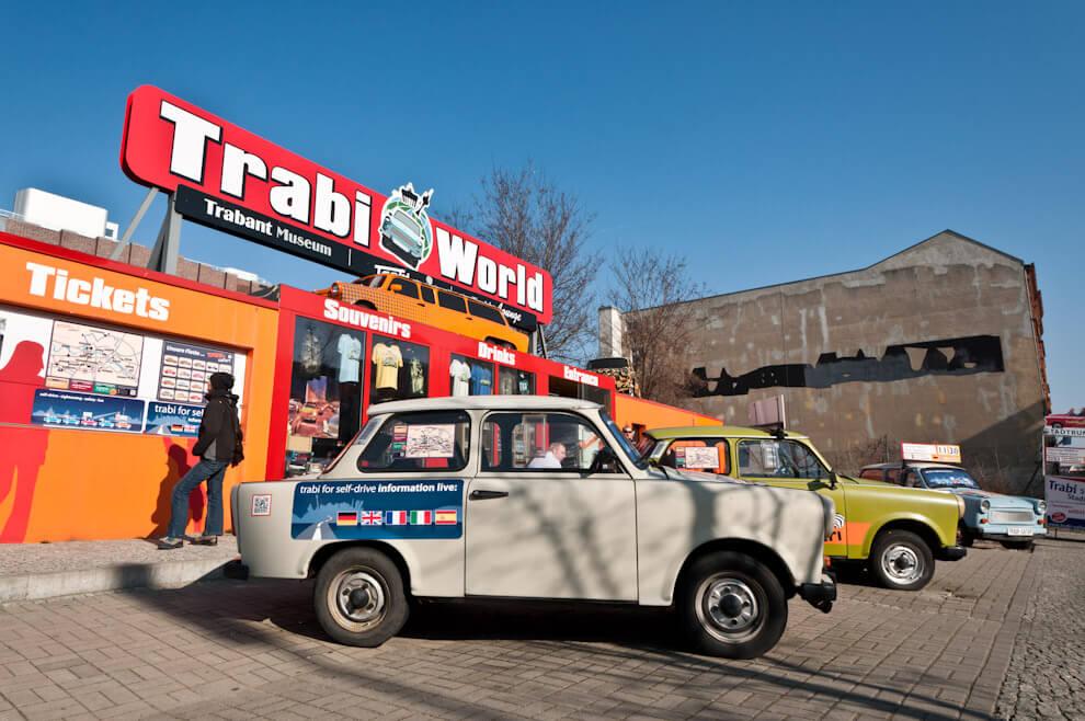Trabanty - kultowe samochody DDR-u. Dziś atrakcje turystyczne.