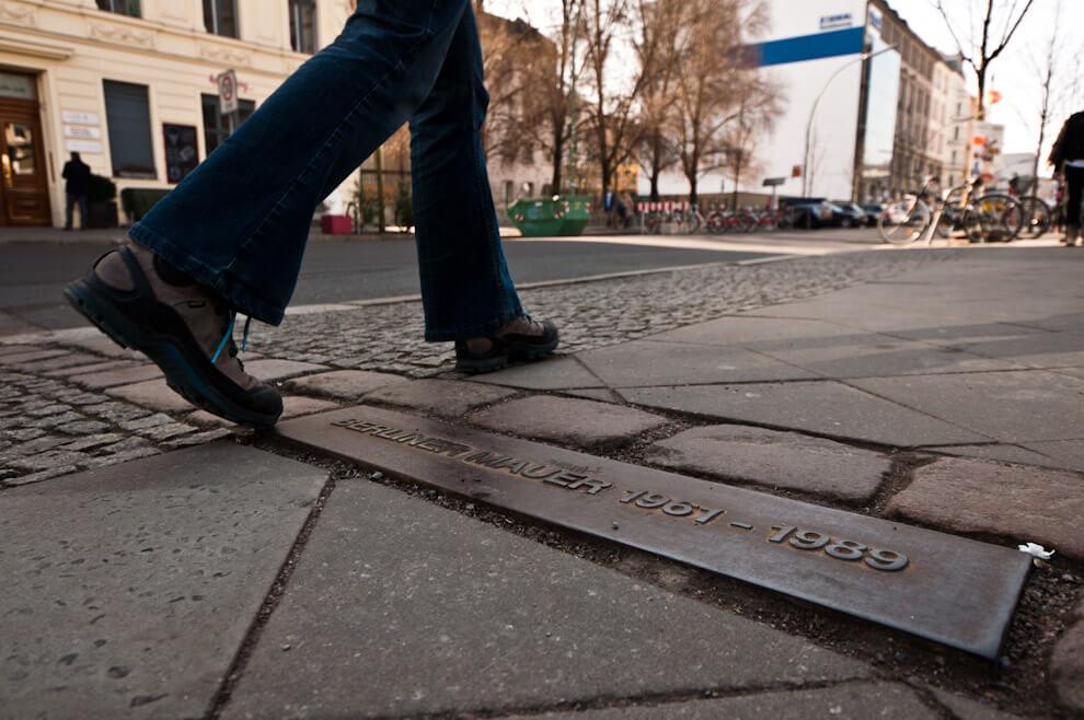 Symbolincza granica pomiędzy Wschodnim a Zachodnim Berlinem.