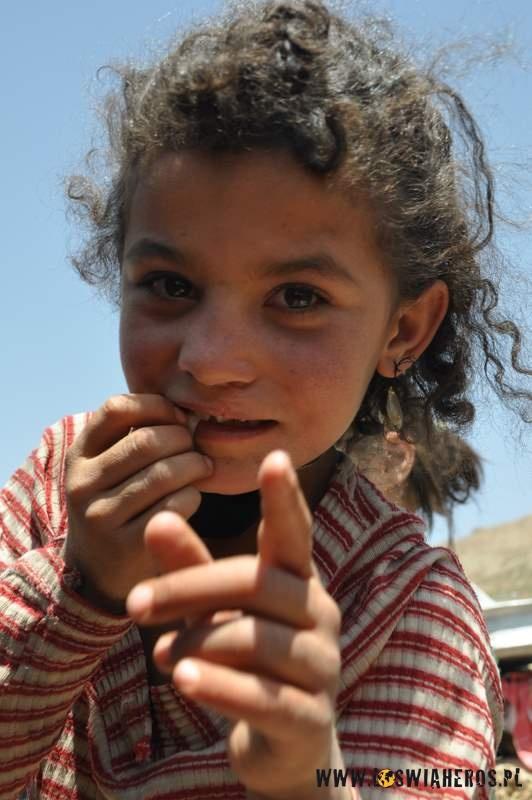 nomadowie_w_iranie_dzieciaki_z_czwartej_osady