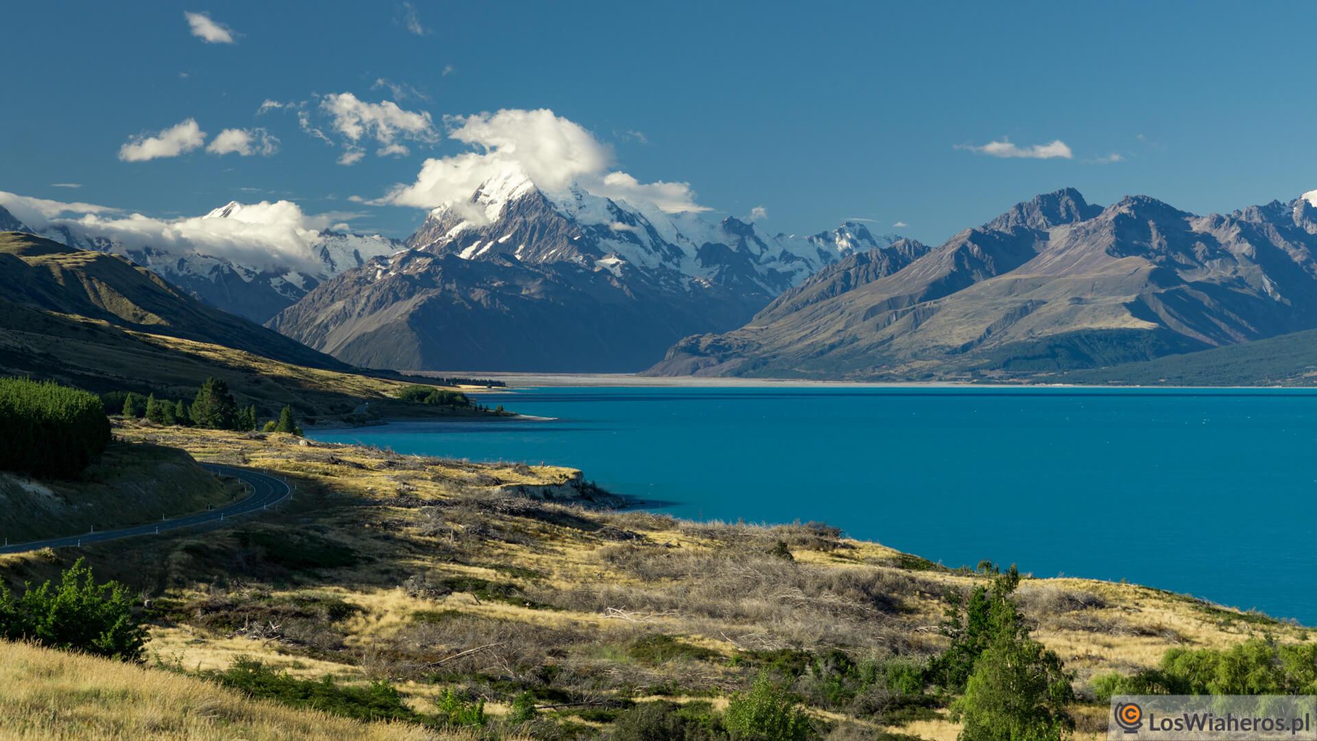 Jezioro Pukaki i Góra Cooka, Nowa Zelandia.