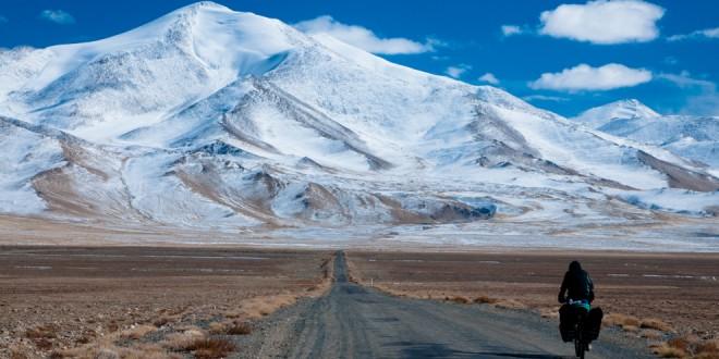 Droga przez Pamir.