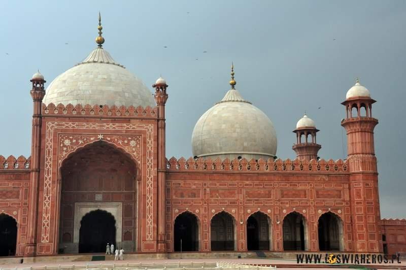 shahi_quila_fort_w_lahore_pakistan