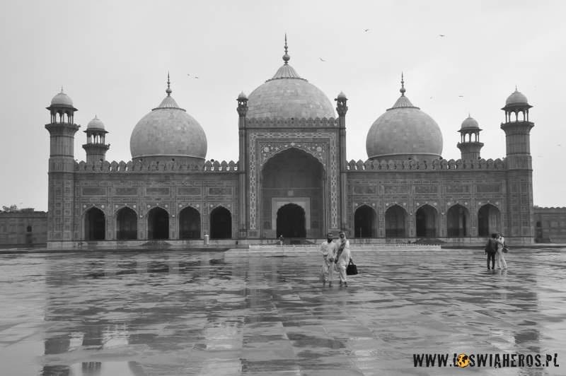 shahi_quila_fort_w_lahore_pakistan2