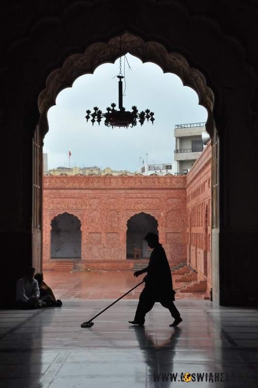 Sprzątanie - Fort w Lahore
