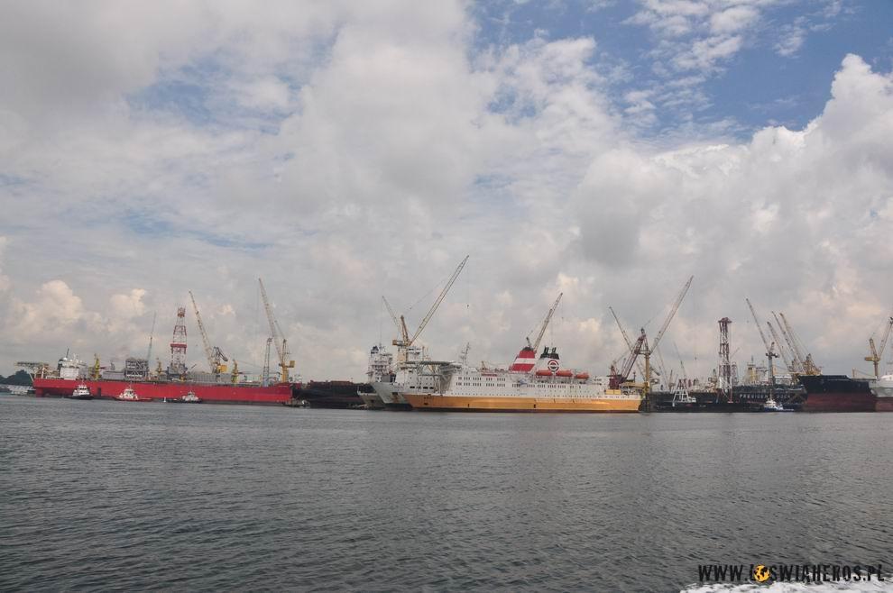 Statki wPrzesmyku Melaka.