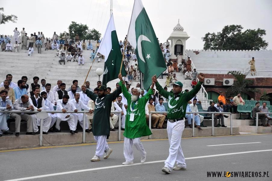 Pakistan Zindabad! - Long life Pakistan!