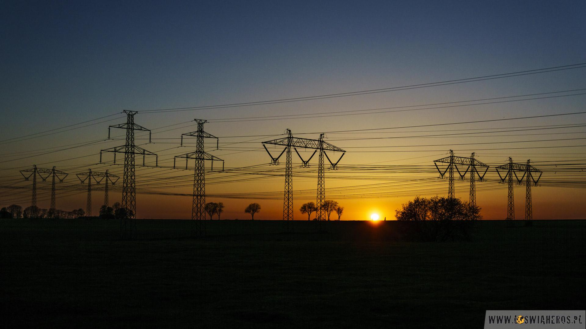 Industrial, czyli całkiem niecodzienny zachód słońca.