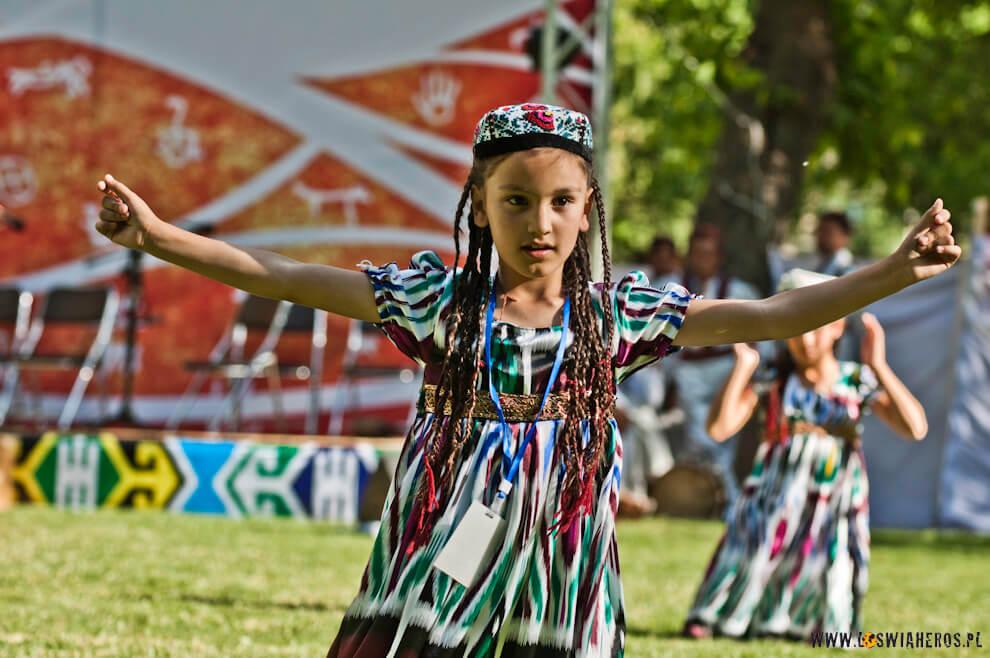 Tancerka - Roof of the World Festival - Khorog 2013.