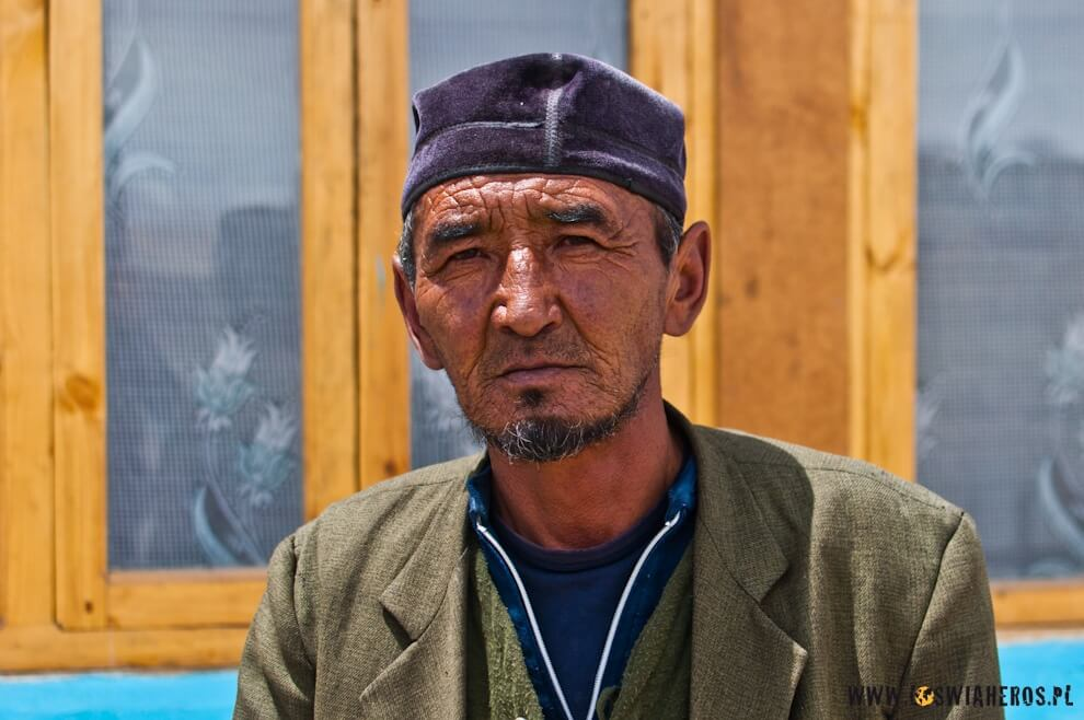 tadzykistan_pamir_tadzycki_kirgiz_z_wioski_karakul