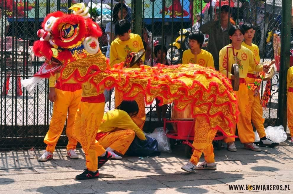 Tańczący Jednorożec - nadchodzi Rok Tygrysa