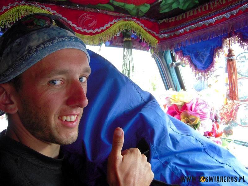 Autostopem, wpakistańskiej ciężarówce!