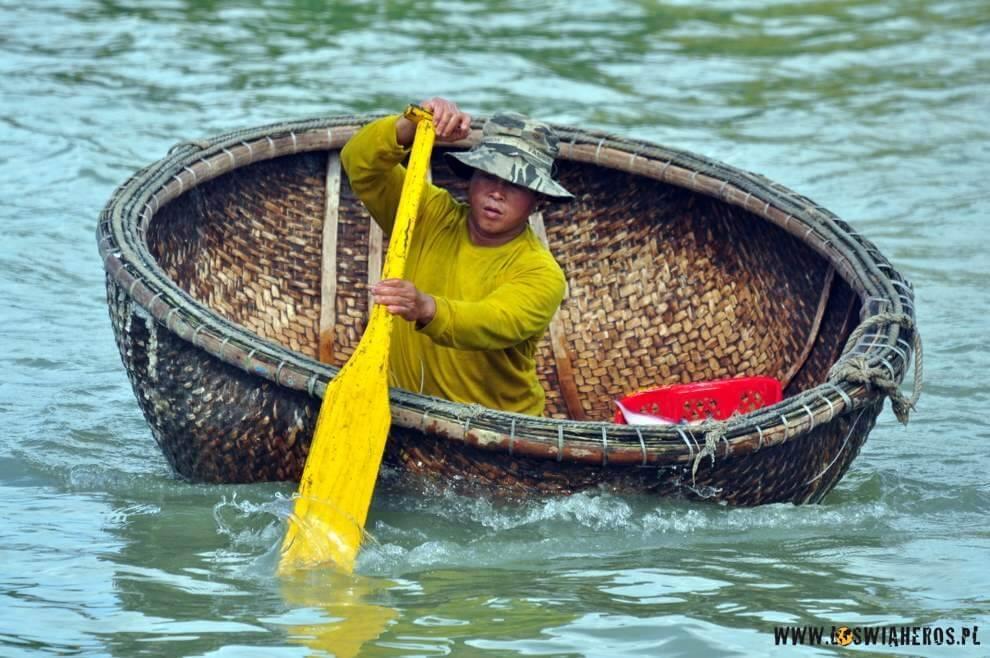 ...w którychokazało się, transportowane są ryby nabrzeg...