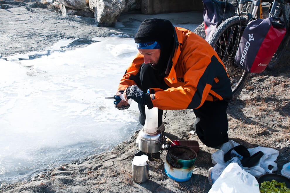 Lodowe wycinanki, czyli topimy lód naherbatę.
