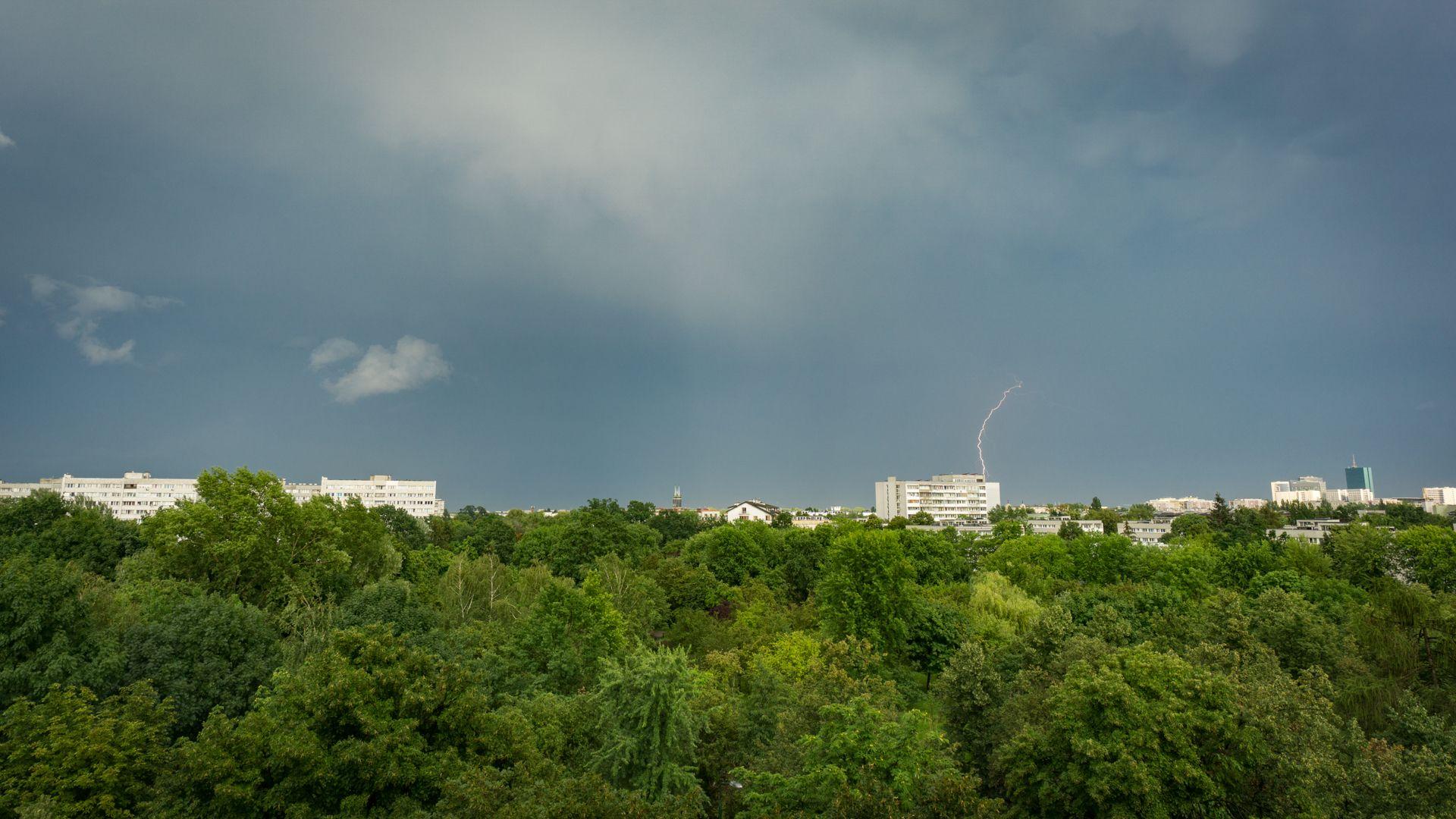 Widok z okna i letnie burze