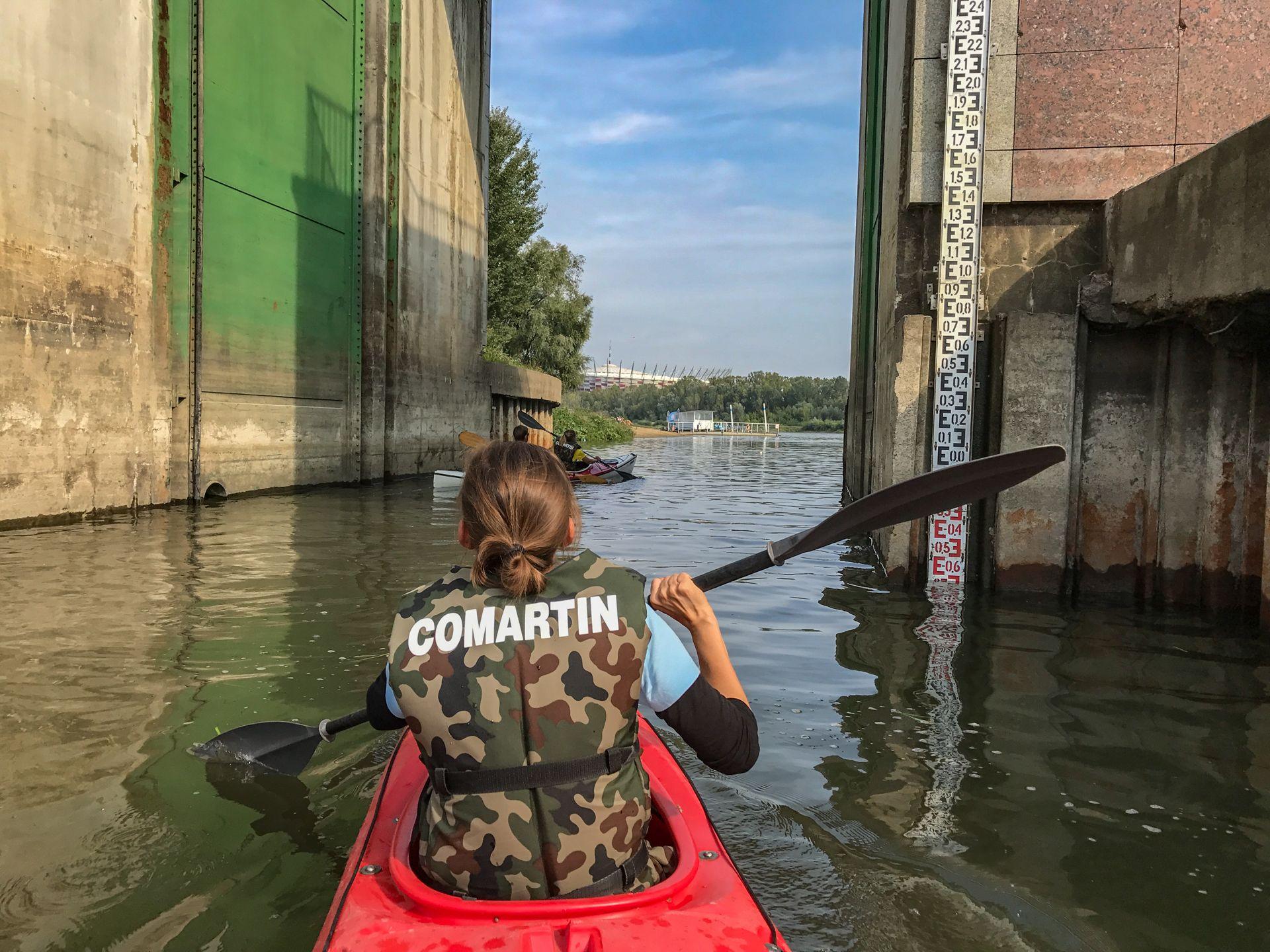 Wypływając na Wisłę z Portu Czerniakowskiego - spływ kajakowy Wisłą