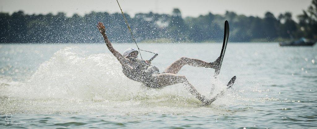 Narty wodne - spektakularne poślizgi