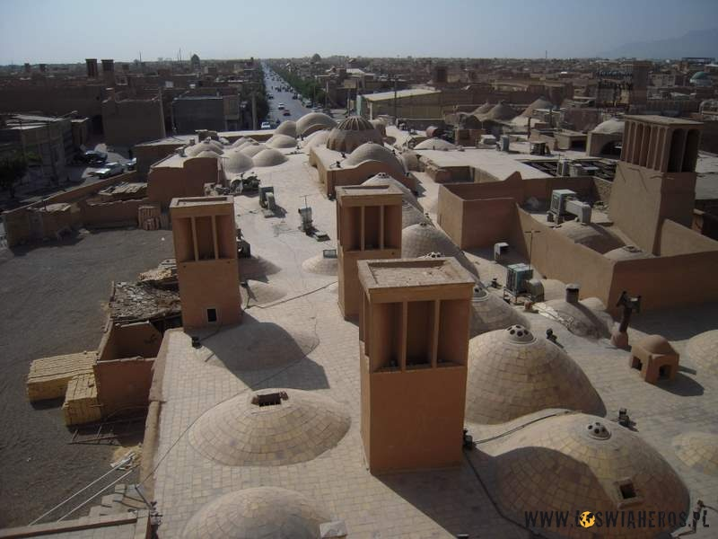 Wieże wiatrowe służące jako naturalna klimatyzacja - Yazd