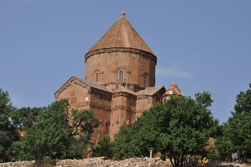 Wyspa i kosciol ormianski - Akdamar na Jeziorze Van